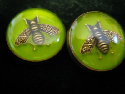 100% Gucci 🌺 2 buttons  lime green COLOR  brass BEE 16 mm  lot 2 ❤️ ADORABLE