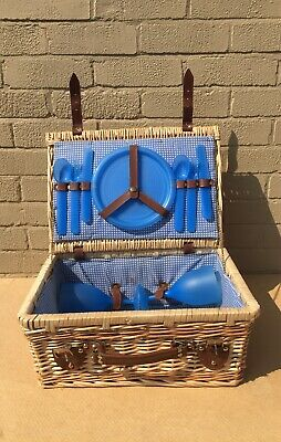 Retro Wicker Picnic Basket Hamper 2 Person Set Including Plastic Glasses/Plates