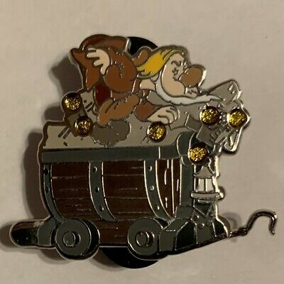 2014 Disney Parks Snow White Seven Dwarfs Mystery Collection Sneezy Pin ONLY