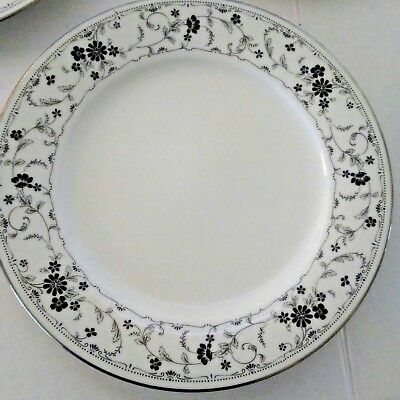 Contemporary Fine China Noritake Black Lace Dinner Plates Lot of 4
