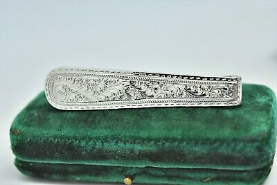 Vintage sterling silver money clip with a Hand Engraved floral design #P490