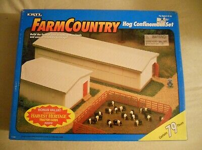 Ertl Farm Country Toy Pig/Hog Confinement Building Set MIP 1/64 Scale!!! Tractor
