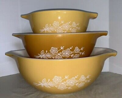 Vintage Pyrex Butterfly Gold 2 Cinderella Mixing Nesting Bowls Set of 3
