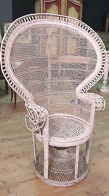 Armchair in Wicker Rattan Furniture Antique Style Vintage Chair Outdoor Antique