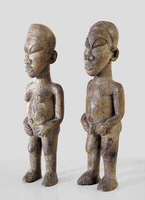 A small Lobi bateba couple