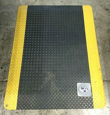 "NOTRAX CUSHION ANTI-FATIGUE MAT 4'x3'x9/16"" FT FLOOR MAT LOT OF 2"