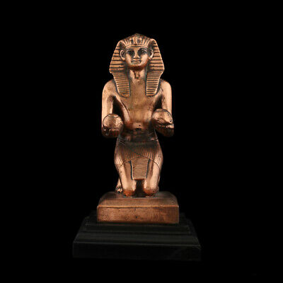 Ancient Egyptian statue King Thutmose IV kneeling offering jars Museum Replica