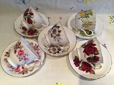 *5 Beautiful Vintage Mismatched 🌸 Roses Designs Tea Set Cups And Saucers*
