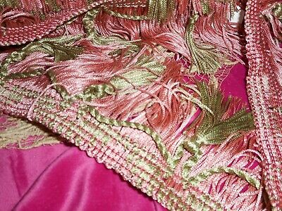 Decorative fringes passementerie