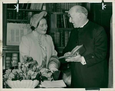 Queen Elizabeth The Queen Mother with Dr.Fisher. - Vintage photo
