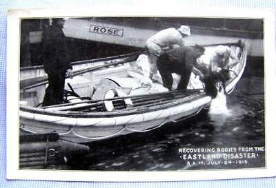 1915 PC (postcard) SS EASTLAND sinks Chicago 844 drown: BODY RECOVERY   (A-33)