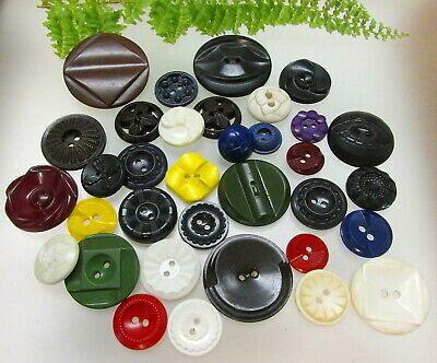 Large Lot Of Vintage Colt Firearms Plastic Buttons C111