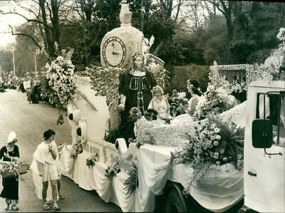Easter Parade - Vintage photo