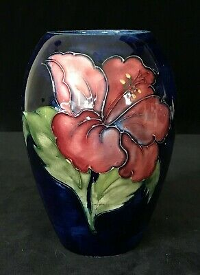 MOORCROFT OVOID HIBISCUS FLOWERS VASE, 5.1 In., Blue Magenta Yellow Green c.1953