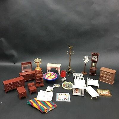 Dollhouse Miniatures Furniture and Accessories 24 pieces
