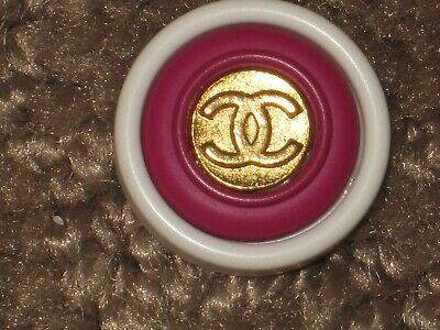 Chanel  1 Gold  Metal Cc Logo Front Dark Pink  White Resin  Buttons 14 Mm