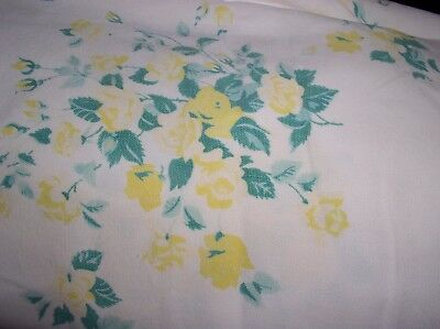 Vintage 1950's Retro Yellow Roses Green Tablecloth Table Cloth Linen 46x42 CUTE!