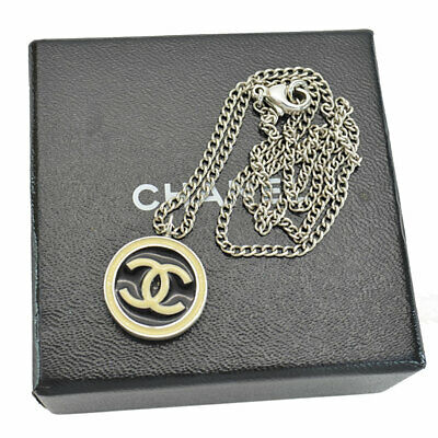 Auth CHANEL 04A CC Logo Necklace Silver/Black/Off White Goldtone/Enamel - r7486