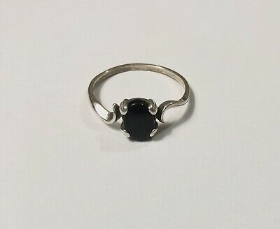 Beautiful Vintage Sterling Silver Ring, Size 8.5, Black Stone, LOOK!