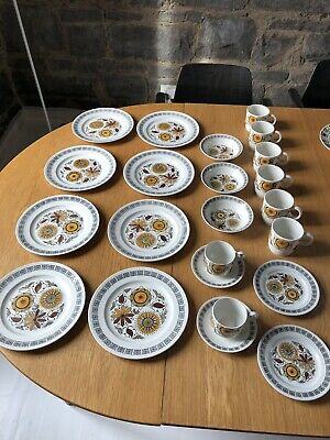 1960's Kathie Winkle for Broadhurst Calypso Dinner Service Collection