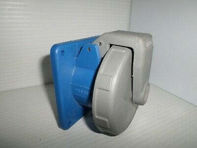HUBBELL HBL330R6W 30-Amp PIN&SLEEVE RECEPTACLE 330R6W 30A 250V 2P 3W