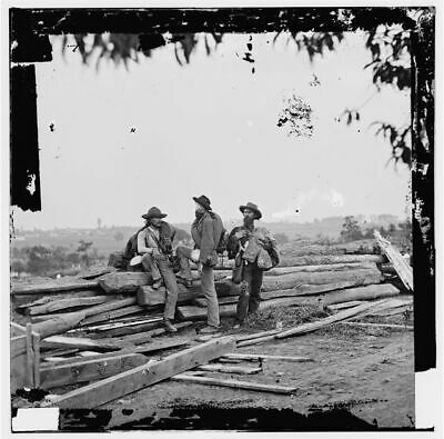 Three Confederate prisoners,battlefield,soldiers,Gettysburg,Pennsylvania,P 6693