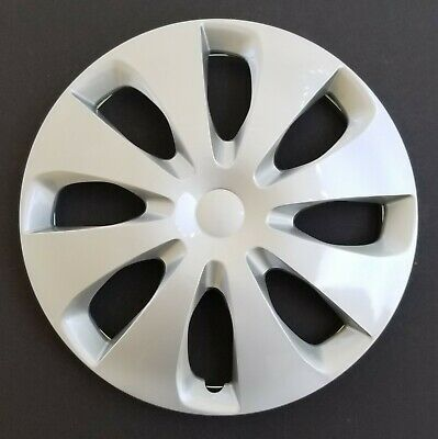 """One New Wheel Cover Hubcap Fits 2012-2014 Toyota Prius C 15"""" Silver 8 Spoke"""