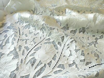 """Vintage Shimmering Bridal Madeira Embroidered Linen Tablecloth 66x120"""""""