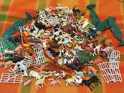 Vintage Plastic Farm Animals Hong Kong Singapore  Approx 1kg Hay Farmers Trees