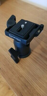 Giottos MH652 tripod ball head with quick release plate and 3 independent levels