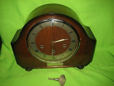 Westminster Chimes Vintage Mantle Clock.Alexander Clark Smith's Movement  Key
