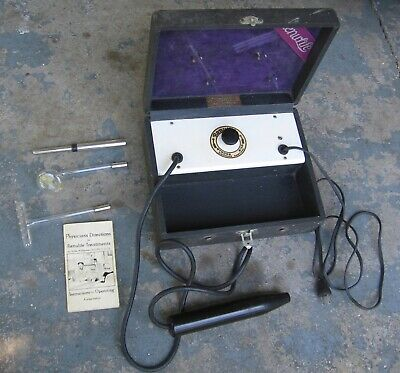 "1920s Renulife ""Violet Ray"" Generator w/ Case and Two Glass Wands. Works!"