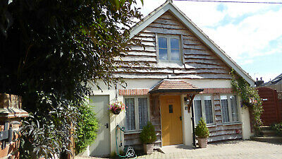 Luxurious dog friendly 1 bedroom holiday Cottage with hot tub in West Dorset