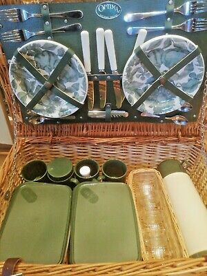 Large WICKER PICNIC BASKET 4 PERSON SET Flask Plates cutlery 60x40x20cm
