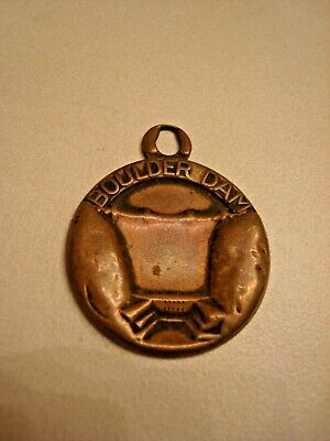 USA  souvenir  BOULDER DAM, vintage copper colored round metal pendant
