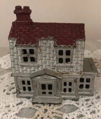 Vintage Antique Cast Iron Still Colonial House Coin Bank