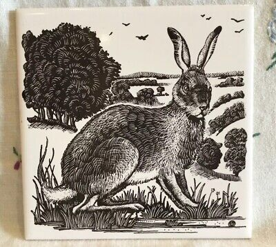 *VINTAGE? H and R JOHNSON DORINCOURT TILE WITH STRIKING HARE COUNTRYSIDE DESIGN*