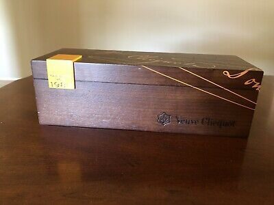 1989 Veuve Clicquot Cave Privee Rose Champagne Wooden Box no bottle