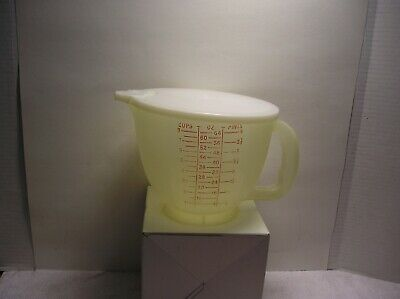 Tupperware #500 Mix N Stor Batter Bowl/ Measuring Cup- 8 Cup/ 2 Liter With Lid