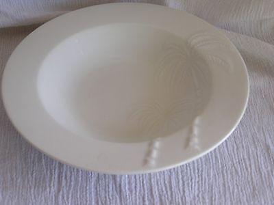 Oneida White Palm Springs 2 Embossed Palm Trees Rimmed Soup Cereal Bowl Retired