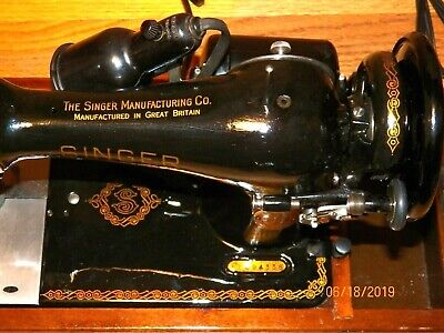 Restored 1948 Great Britain Singer 128 Sewing Machine Bentwood Case Sews V. Well
