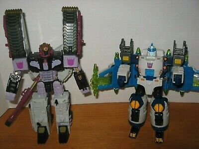 lot 2 Hasbro TRANSFORMER figures / vehicles { 2001 2004 }  SOLD AS IS