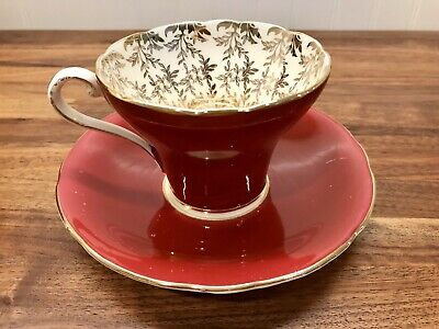 VTG AYNSLEY CORSET SHAPED TEA CUP SAUCER SET BURGUNDY GOLD Made In England