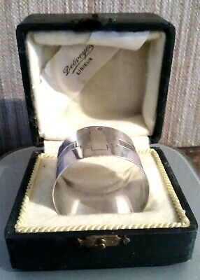 Nice Napkin ring in French Sterling Silver ART DECO in his box, Good condition