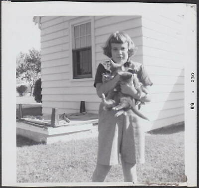 f973-GIRL HOLDING LOTS OF KITTENS/CATS-OLD/VINTAGE PHOTO SNAPSHOT