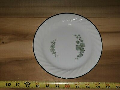 Corelle Callaway Ivy 8 1/2 Inch Plates / Dishes (3) white and green