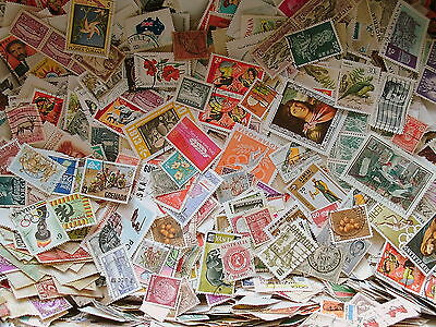 World Stamp Collection - 1000 stamps Off Paper  - Brilliant Sorting Mixture