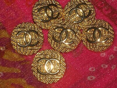 CHANEL 6 BUTTONS GOLD 21mm ,  metal with  cc logo 6