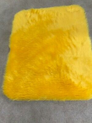 Bright yellow gold super soft faux fur rug cat dog pet matt brand new 90x75cm