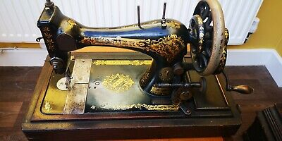 Beautiful And Rare! 1902 Antique Singer 28K Sewing Machine And Case